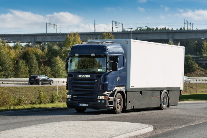 Scania desenvolve caminhão híbrido plug-in