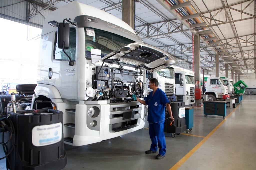 Caminhões sem manutenção levam risco às estradas